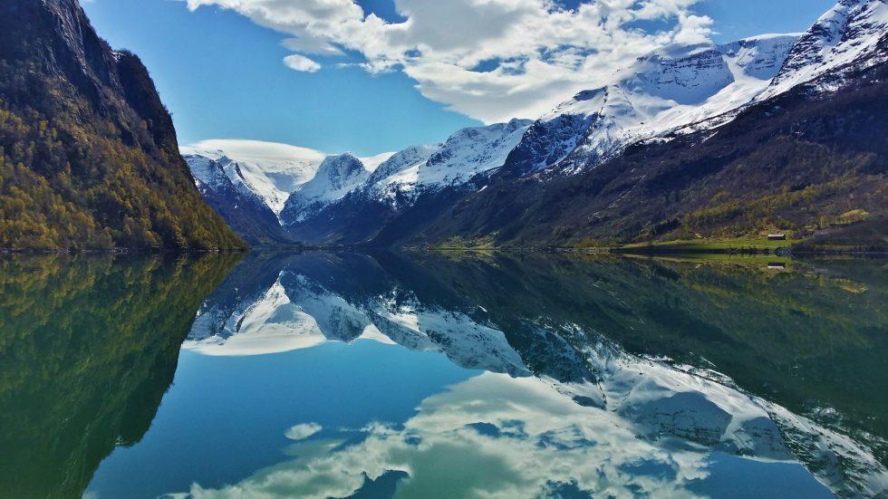 Fjord-Hurtigrouten Spiegel